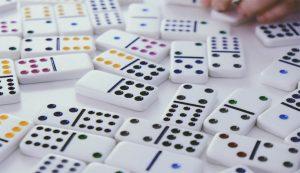 Strategi Bermain Domino